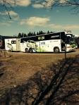 Weijer rally auto aanhangwagen achter bus